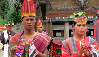 Viajes a Indonesia - Sumatra Ceremonia Tradicional